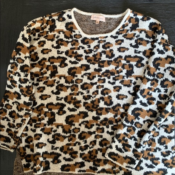Philosophy Sweaters - Animal Print Sweater Cozy and Cute! Size L